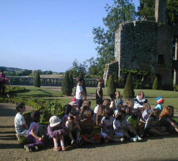 Groupe scolaire accueilli au Château de la Flocellière, Vendée